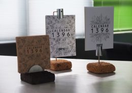 محصولات دیدینو -تقویم رومیزی پایه آجری