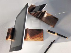 پایه نگهدارنده چوبی موجدار تبلت و موبایل