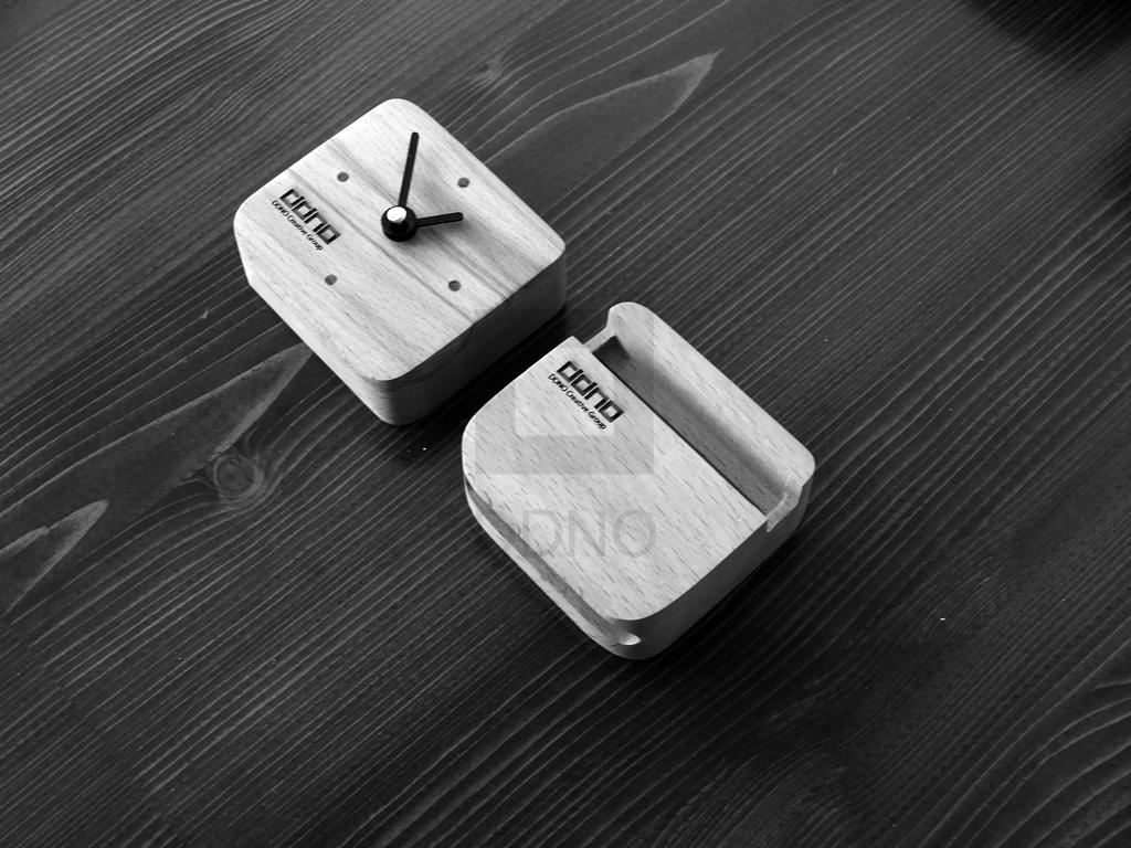 اسپیکر و ساعت تبلیغاتی