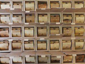 پایه محنی چوبی موبایل